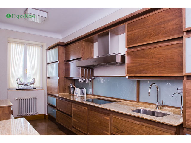 Ремонт 4-комнатной квартиры. Стиль интерьера - легкая классика. Фото 09