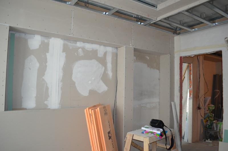 Обшивка стен гипроком. Отделочные работы.