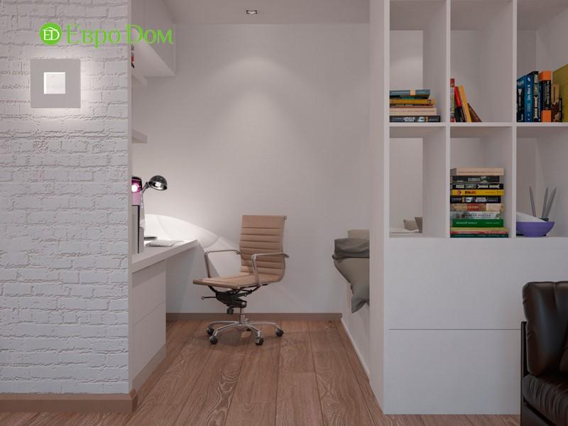 Мини-кабинет и спальня в квартире-студии с двумя окнами
