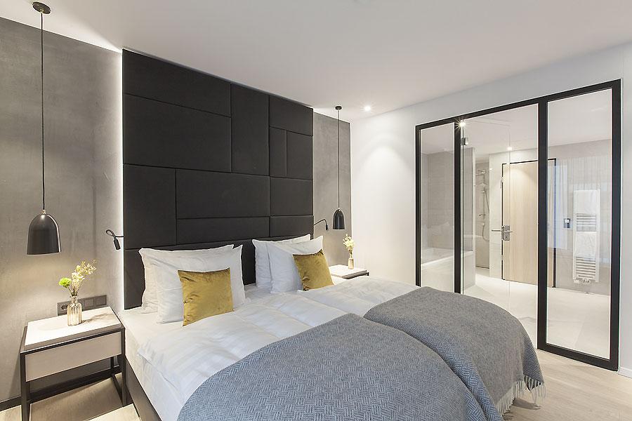 Спальня в японском стиле с ванной