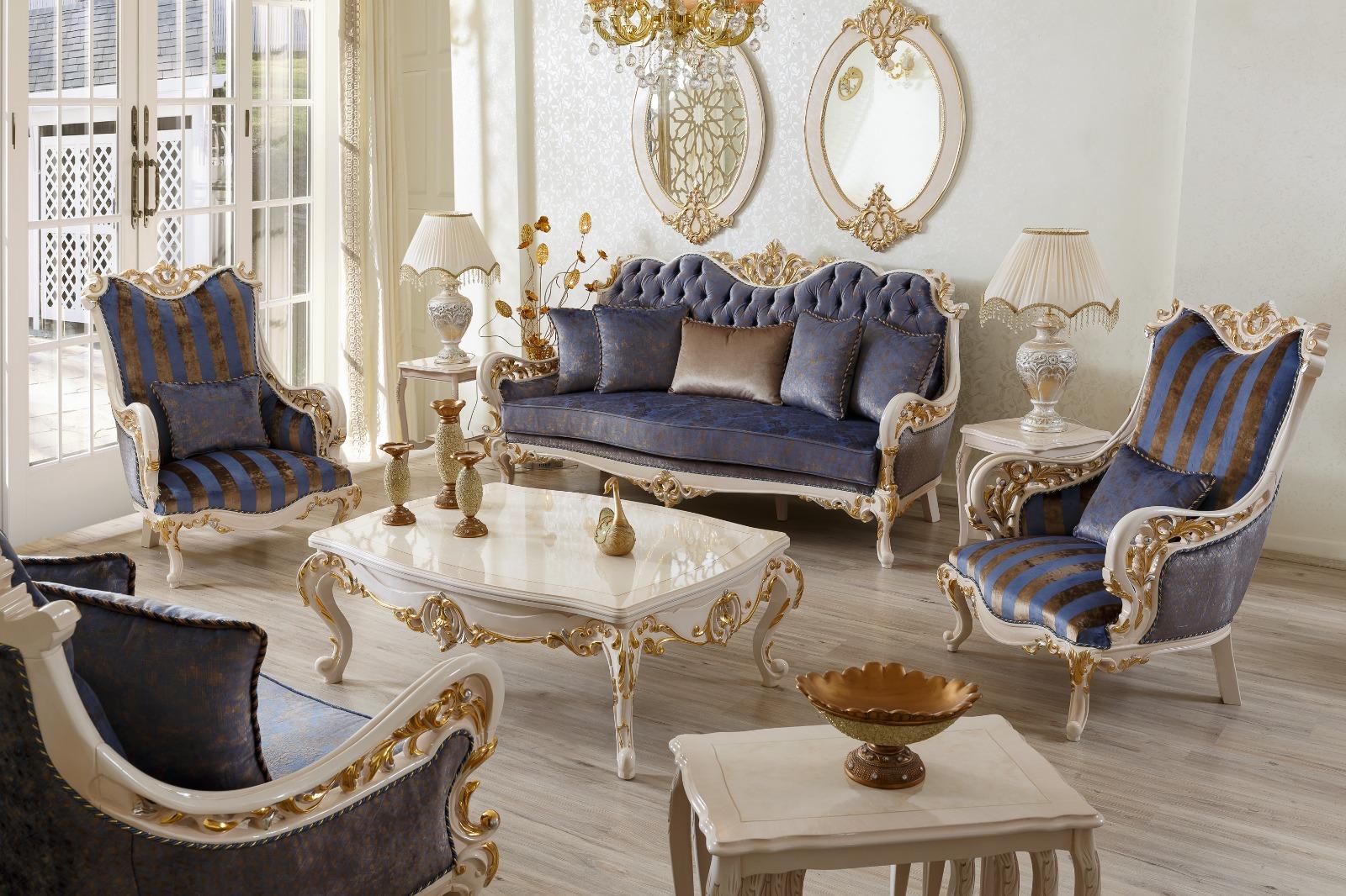 Роскошная гостиная с синими диванами барокко