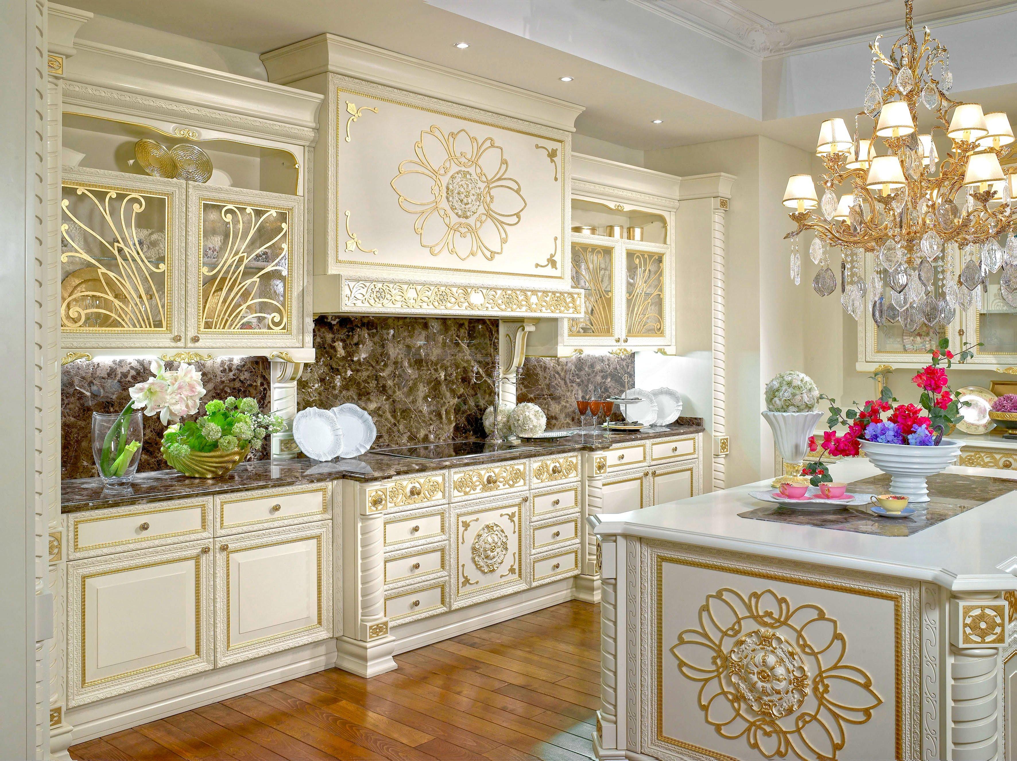 Кухня в стиле барокко с островом: фото 2019